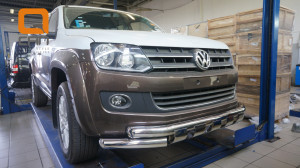Защита переднего бампера Volkswagen Amarok (2010-) (двойная Shark) d76 76