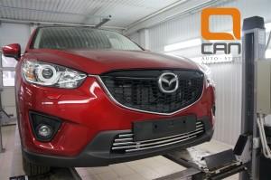 Решетка переднего бампера Mazda CX5 (2012-) d 16 4