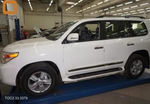 Защита штатных порогов Toyota Land Cruiser (Тойота Ленд Круизер) 200 (2012-)  Lexus LX 570 (2014-) d42