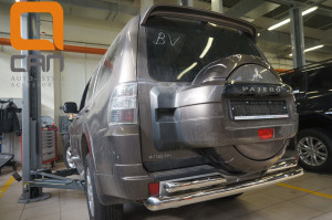 Защита заднего бампера Mitsubishi Pajero (Митсубиши Паджеро) IV (2011-2014 2014-) (двойная) d 76 60