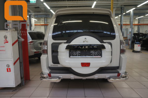 Защита заднего бампера Mitsubishi Pajero (Митсубиши Паджеро) IV (2011-2014 2014-) (уголки) d 76 42 2