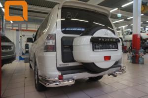 Защита заднего бампера Mitsubishi Pajero (Митсубиши Паджеро) IV (2011-2014 2014-) (уголки) d 76 42 3