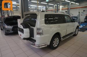 Защита заднего бампера Mitsubishi Pajero (Митсубиши Паджеро) IV (2011-2014 2014-) (уголки) d 76 42