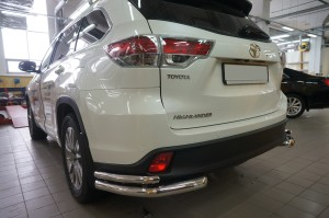 Защита заднего бампера Toyota Highlander (Тойота Хайлендер) (2014-) (уголки) d 60 42