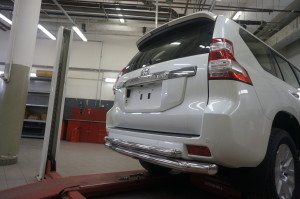 Защита заднего бампера Toyota Land Cruiser (Тойота Ленд Круизер) 150 (2009-) (двойная) d 76 60 2