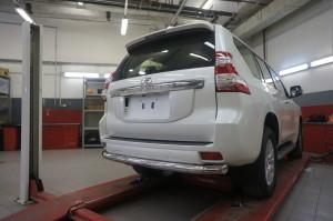 Защита заднего бампера Toyota Land Cruiser (Тойота Ленд Круизер) 150 (2009-) (одинарная) d 76